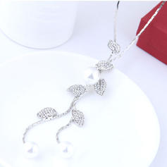 Fashionable Alloy Rhinestones Imitation Pearls Ladies' Fashion Necklace