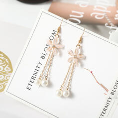 Chic Alloy Imitation Pearls Women's Fashion Earrings