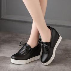 Naisten PU Wedge heel Kiilat jossa Nauhakenkä Tupsu kengät