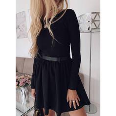 Jednolita Długie rękawy W kształcie litery A Nad kolana Mała czarna/Casual/Elegancki Sukienki