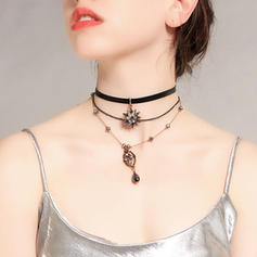 Fashionable Alloy With Imitation Crystal Women's Necklaces