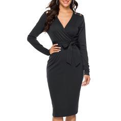 Pevný Dlouhé rukávy Přiléhavé Délka ke kolenům Malé černé/Neformální Šaty
