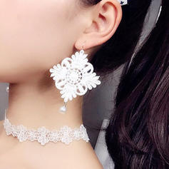 Brillant Alliage Dentelle Dames Boucles d'oreille de mode