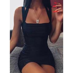 Egyszínű Ujjatlan Testre simuló ruhák Térd feletti Kis fekete/Szexis φορέματα