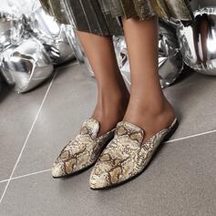 Women's Leatherette Flat Heel Flats Slippers With Animal Print shoes