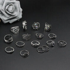 Attractive Baroque Style Alloy Women's Rings (Set of 16)