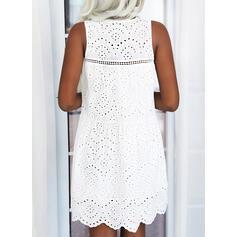 Sólido/Agujereado Sin mangas Tendencia Sobre la Rodilla Casual Vestidos