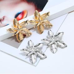 Flower Shaped Alloy Women's Fashion Earrings