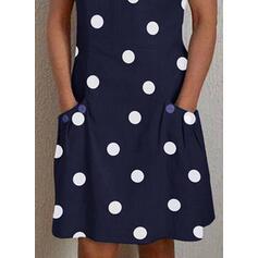 Puntíky Krátké rukávy Splývavé Délka ke kolenům Neformální Šaty