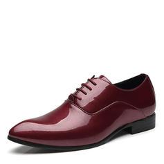 Cordones Zapatos de vestir Cuero Hombres Zapatos Oxford de caballero