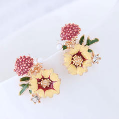 Flower Shaped Alloy Women's Fashion Earrings (Set of 2)