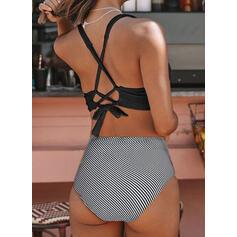 Color Sólido Ahuecar Correa Cuello en V Elegante Bikinis Trajes de baño