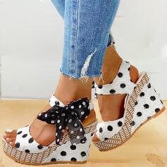 Női PU Ékelt sarkú Szandál Ékelt szandál Peep Toe Sarok -Val Csokornyakkendő cipő