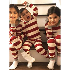 Çizgili Aile Eşleşen Noel Pijamaları