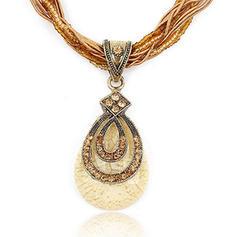 Con estilo Estilo de la vendimia Aleación Diamantes de imitación Resina De mujer Collares