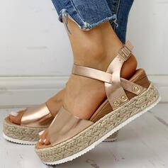 Női PU Ékelt sarkú Szandál Ékelt szandál Peep Toe -Val Csat cipő