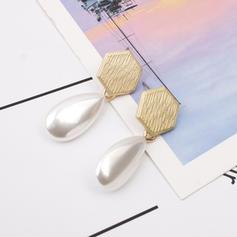 Einfache Legierung Faux-Perlen Frauen Ohrringe