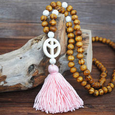 Fashionable Wooden Beads With Tassels Women's Fashion Necklace