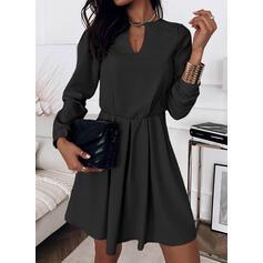 Couleur Unie Manches Longues Trapèze Au-dessus Du Genou Petites Robes Noires/Élégante Patineuse Robes