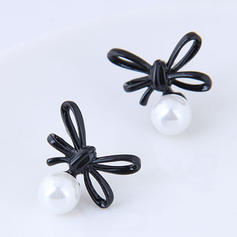 Fashionable Alloy Imitation Pearls Ladies' Fashion Earrings