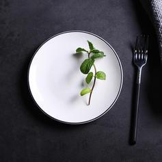 Simple Porcelain Dessert Plates