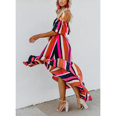 Gestreift Kurze Ärmel A-Linien Asymmetrisch Sexy/Party Kleider