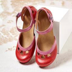 Mulheres PU Salto robusto Bombas com Oca-out sapatos