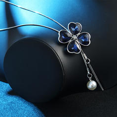 Clover Alloy Imitation Pearls With Imitation Pearl Women's Fashion Necklace (Sold in a single piece)