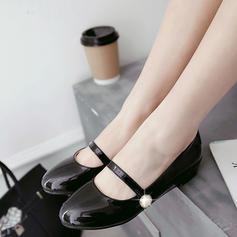 Women's PU Flat Heel Flats Closed Toe With Imitation Pearl shoes