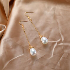 Fashionable Alloy Resin Earrings