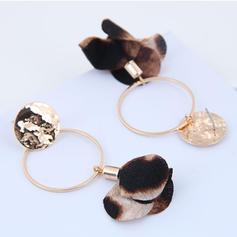 Stylish Flower Shaped Alloy Women's Earrings