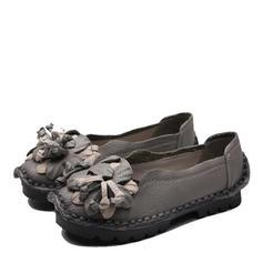 Kvinnor Äkta läder Flat Heel Platta Skor / Fritidsskor Stängt Toe med Blomma skor