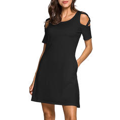 Jednolita Odkryte ramię W kształcie litery A Nad kolana Mała czarna/Casual Sukienki