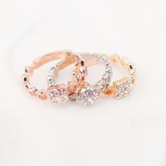 Fashionable Rhinestones Copper Ladies' Fashion Rings