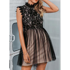 Lace Sleeveless A-line Above Knee Party Dresses