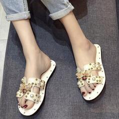 Mulheres PU Sem salto Sandálias Peep toe Chinelos com Pérola Imitação sapatos