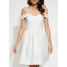 Solid Short Sleeves A-line Knee Length Party/Elegant Dresses