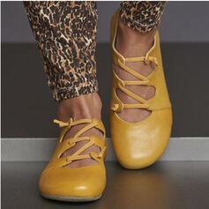 Mulheres PU Sem salto Toe rodada com Oca-out sapatos