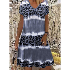 Leopard/Tie Dye Short Sleeves Shift Knee Length Casual T-shirt Dresses