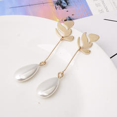 Leaves Shaped Alloy Imitation Pearls Women's Earrings