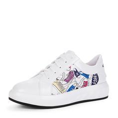 Női PU Ékelt sarkú Lakások Zárt lábujj Ékelt szandál -Val Lace-up Egyéb cipő