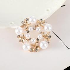 Blume Geformt Legierung Strasssteine Faux-Perlen mit Nachahmungen von Perlen Damen Mode-Broschen (Sold in a single piece)