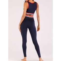 Decote em U Sem mangas Listrado Leggings Esportivas Sutiãs esportivos Yoga Sets