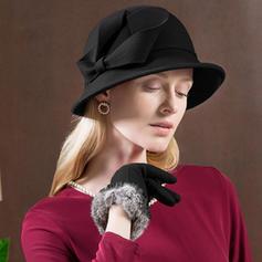 Damer' Särskilda/Glamorösa/Enkel/Utsökt/Hög Kvalitet/Romantiskt/tappning utformar/konstnärligt Ull med imitation fjäril Diskett Hat