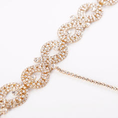 Fashionable Exquisite Alloy With Imitation Crystal Necklaces