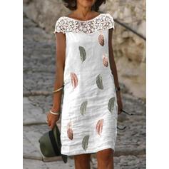Krajka/Tisk Krátké rukávy Splývavé Délka ke kolenům Neformální Šaty