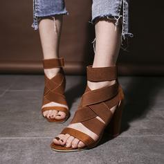 Naisten PU Chunky heel Sandaalit Avokkaat Peep toe jossa Ontto-out kengät
