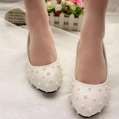 Frauen Lackleder Niederiger Absatz Geschlossene Zehe Absatzschuhe mit Nachahmungen von Perlen