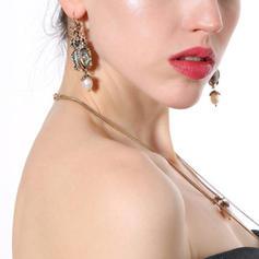 Chic Alloy With Gem Women's Earrings