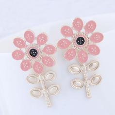 Flower Shaped Alloy Women's Fashion Earrings (Set of 2)